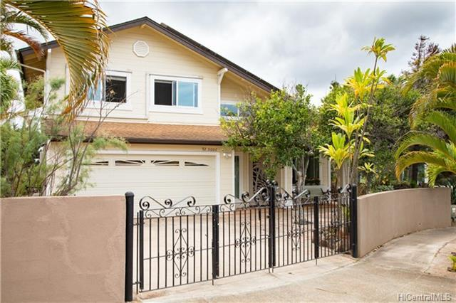 Photo of home for sale at 92-5006 Limukele Street, Kapolei HI